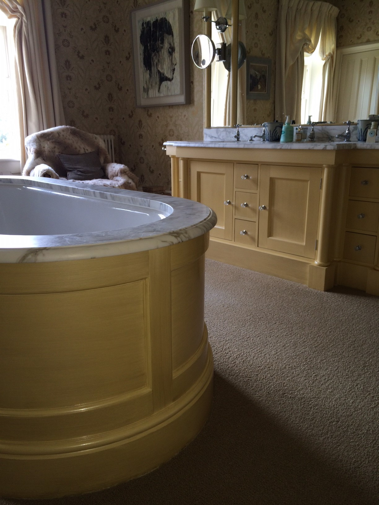 painted bath surround